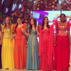Eat Bulaga, Filipiniana Dress, Filipina, Sari, Platform, Gowns, Modern, Instagram, Dresses