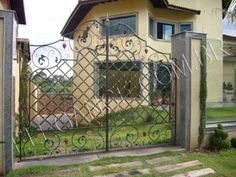 grades de ferro em arabesco - Google Search Wrought Iron, Deck, Exterior, Outdoor Decor, Furniture, Homes, Home Decor, Templates, Arabesque