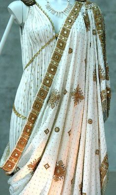 Greek royal dress w/ elaborate designs & golden patterns www. Greek clothing consisted of the chiton, peplos, himation, & chlamys. Historical Costume, Historical Clothing, Historical Romance, Greek Fashion, Roman Fashion, Greek Inspired Fashion, Vintage Outfits, Vintage Fashion, Mode Shoes