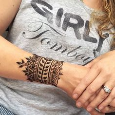 tattoo templates women henna tattoo on the arm decent idea for women's girlish . - tattoo templates women henna tattoo on the arm decent idea for women's girlish … , - Trendy Tattoos, Tattoos For Women, Tattoos For Guys, Cool Tattoos, Sun Tattoos, Tattoo Girls, Tatoos, Paisley Tattoos, Wrist Tattoos For Girls