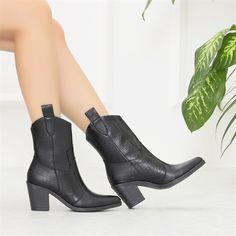 Sotanes Siyah Kroko Desenli Kısa Topuklu Western Bot  #black #heels #crocodile #western #boots #siyah #topuklu #bot #kovboy #timsahdesenli Tabata, Western Boots, Black Heels, Crocodile, Westerns, Platform, Booty, Ankle, Shoes