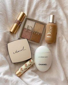✔ Hair Makeup Photography Make Up Beauty Make-up, Beauty Care, Beauty Skin, Beauty Dupes, Drugstore Beauty, Chanel Beauty, Beauty Room, Makeup Goals, Makeup Inspo
