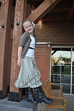 adorable skirt made from a bedsheet    Check out the tutorial!