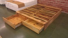 pallet bed | Pallet bed frame 2 | Made at New Living