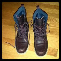 *Reposh* Timberland Earthkeeper Mosley *CROSS POSTING!* Love these boots but they didn't fit me. In excellent condition, hardly worn - the posher I got them from only used them once. Beautiful deep burgundy color, waterproof, and they're Timbs so you know they'll last forever! Timberland Shoes Lace Up Boots