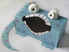 Sandwich Box Monster Craft: Who knew the empty box that holds your sandwich bags could make such a cute little monster box craft? Phonics Activities, Craft Activities, Preschool Crafts, Crafts For Kids, Monster Party, Monster Box, Tattle Monster, Monster Crafts, Sandwich Box
