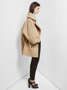 fashionfightingfamine: Absolutely in love with this oversized herringbone coat from Chloé, Pre-Fall 2012 Collection. Looks Street Style, Looks Style, Style Me, Look Fashion, Fashion Show, Womens Fashion, Fashion Today, Fashion Models, Vogue