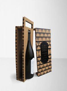 Uma garrafa de vinho segura e de fácil transporte, graças a uma embalagem criativa e inovadora!