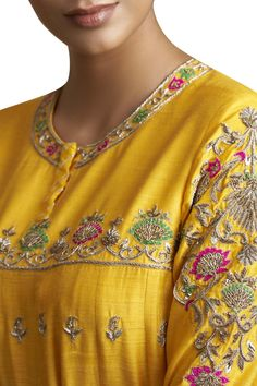 Buy Embroidered Kurta Set by Sue Mue at Aza Fashions Embroidery On Kurtis, Kurti Embroidery Design, Embroidery Neck Designs, Hand Work Embroidery, Couture Embroidery, Embroidery Fashion, Embroidery Dress, Zardozi Embroidery, Beaded Embroidery
