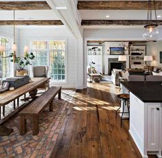 This rustic country kitchen is goals for sure! 🙌 Would you love a kitchen lik… - country kitchen farmhouse Küchen Design, Design Case, Layout Design, Design Ideas, Design Inspiration, Design Concepts, Interior Inspiration, Quinta Interior, Rustic Country Kitchens