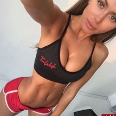 Learn how to GET ABS in just a month. no extreme diets or exercises - only a simple strategy to get the results!  #howtogetabs #abworkout Get Abs Fast, How To Get Abs, Fitness Motivation Tumblr, Body Motivation, Fitness Goals, Fitness Inspiration, Body Inspiration, Model Training, Fit Girl