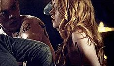 Jace, Clary et Jonathan Clary Y Jace, Clary Fray, Shadowhunters Season 3, Feel Good Quotes, Isabelle Lightwood, Matthew Daddario, Clace, Katherine Mcnamara, Going Insane