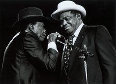 Still Blues: John Lee Hooker & Willie Dixon - Keeping the Blues Alive Jazz Blues, Blues Music, Blues Artists, Music Artists, Albert Collins, Willie Dixon, Blue Company, Johnny Lee, John Lee Hooker