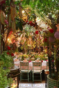 Curious Places: Flower restaurant Mas Provençal (Èze/ France)