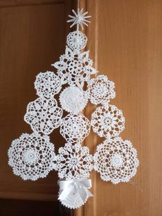 Three snowflakes to crochet crochetpatterns christmas knitting crochet Christmas Angel Crafts, Crochet Christmas Decorations, Crochet Christmas Ornaments, Christmas Crochet Patterns, Holiday Crochet, Crochet Snowflakes, Etsy Christmas, Christmas Knitting, Crochet Home