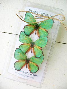tres pinzas de pelo de la mariposa de seda verde esmeralda