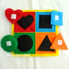 Shape and Color Matching Velcro Quiet Book Page por SweetJuicyApril Diy Quiet Books, Baby Quiet Book, Felt Quiet Books, Toddler Learning Activities, Infant Activities, Family Activities, Indoor Activities, Summer Activities, Sensory Book