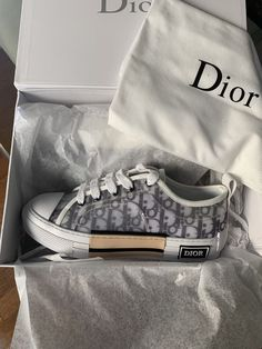 Dior Sneakers, Sneakers Fashion, Fashion Shoes, Christian Dior Couture, Christian Dior Vintage, Christian Dior Shoes, Vintage Dior, Sock Shoes, Shoe Boots