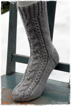 Suvikumpu: Villasukat Socks, Fashion, Moda, Fashion Styles, Sock, Stockings, Fashion Illustrations, Ankle Socks, Hosiery