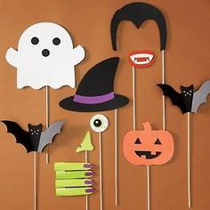 Shop spooky Halloween craft kits and make your own spooky decorations. Halloween Photo Booth Props, Halloween Backdrop, Soirée Halloween, Halloween Carnival, Halloween Crafts For Kids, Halloween Birthday, Diy Halloween Decorations, Holidays Halloween, Kids Photo Props