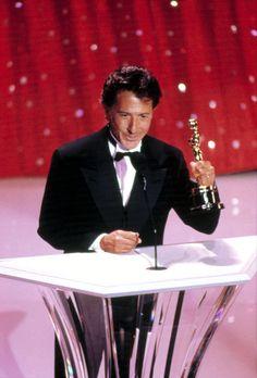 5 11 2018  12 07a Academy Awards Ceremony   Oscar Best Actor Winner   1927-2013   Slides  1-86  Pic  Dustin Hoffman  Oscar Actor ''Rain Man'' 1988  msn.com