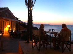 Die schönsten Restaurants mit Meerblick auf Mallorca - COOKIES FOR MY SOUL Restaurants, Celestial, Sunset, Places, Outdoor, Environment, Spain, Majorca, Nice Asses
