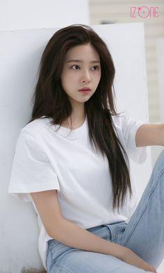 Kpop Girl Groups, Kpop Girls, Eyes On Me, Pop Hair, Look Magazine, Mixed Girls, Kim Min, Girl Bands, Japanese Girl