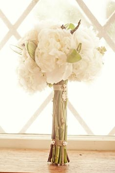 ***This one is my favorite*** Simple wedding bouquet