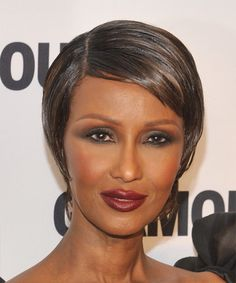 View yourself with this Iman Short Straight Chocolate Brunette Hairstyle Boy Hairstyles, Formal Hairstyles, Straight Hairstyles, Chocolate Brunette Hair, Medium Hair Styles, Short Hair Styles, Oval Face Shapes, Dark Complexion, Short Straight Hair