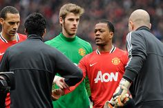 Suarez refusing Evra's handshake