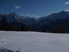 Snowshoe tour in the dolomites
