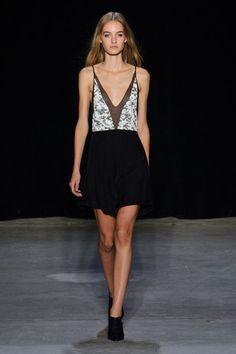 Narciso Rodriguez at New York Fashion Week Spring 2015 - Runway Photos