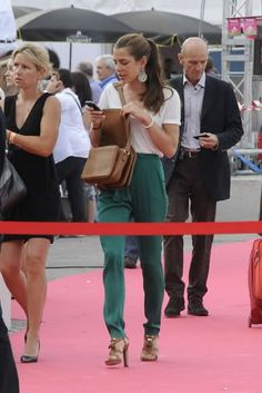 charlotte-casiraghi-and-gucci-spring-2011-rtw-fold-low-rise-pants-gallery