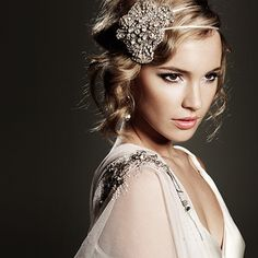 Great Gatsby inspired hairstyles and Hair accessories. Such a beautiful look!