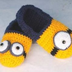 Drops Design, Cloudy Day, Tatting, Baby Shoes, Projects To Try, Arts And Crafts, Crochet Hats, Slippers, Pattern
