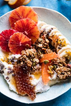 Winter Citrus Ricotta Breakfast Bowl with Honeycomb. Winter Citrus Ricotta Breakfast Bowl with Honey Breakfast And Brunch, Breakfast Bowls, Breakfast Fruit, Breakfast Cocktail, Gourmet Breakfast, Mexican Breakfast, Breakfast Pizza, Breakfast Healthy, Eating Healthy