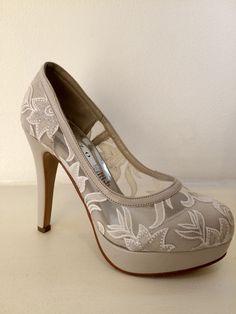 Zapato de Novia, GREZZO. Alonso de Cordova 4034, Vitacura, Chile. Peeps, Peep Toe, Alonso, Chile, Shoes, Fashion, Party Shoes, Bride Shoes, Sneakers