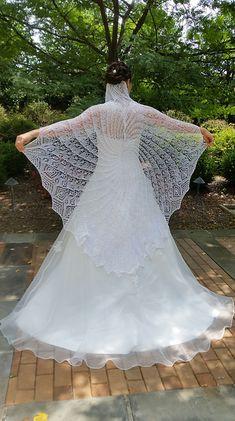 Ravelry: Queen Anne's Lace pattern by MMario - Stola Stricken Crochet Lace Scarf, Crochet Shawls And Wraps, Knitted Shawls, Crochet Scarves, Knit Crochet, Crochet Pattern, Lace Shawls, Knit Cowl, Hand Crochet