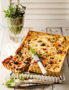 Mushroom and ham quiche Easy Delicious Recipes, Real Food Recipes, Cooking Recipes, Yummy Eats, Yummy Food, Ham Quiche, Frittata, Quiche Recipes, Quiche Ideas