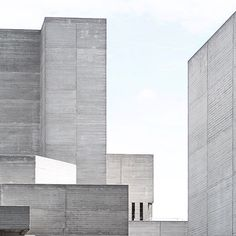 National Theater South Bank London by architects Sir Denys Lasdun and Peter Softly 1963-1976. . Photo from Love Aesthetics . #concrete #brutalism #architecture #design #art #sculpture #photo #sosbrutalism #london #england #southbank by the.concrete.project