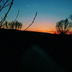 London savanna Celestial, London, Sunset, Outdoor, Outdoors, Sunsets, Outdoor Games, The Great Outdoors, London England