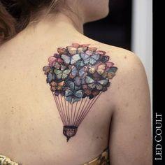 31-tatuagem-balao-borboletas-ombro