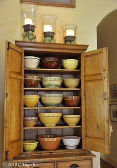 Mixing bowls,great cupboard too!!!****