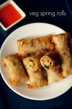 Check it out Veg spring rolls recipe with step by step photos – Popular chinese snack of vegetable spring rolls. The post Veg spring rolls recipe with step by step photos – Popular chinese snack of vegetable spring rolls…. appeared first on Amas Recipes . Indo Chinese Recipes, Indian Food Recipes, Asian Recipes, Chinese Food, Veg Recipes Of India, Chinese Desserts, Indian Snacks, Appetizer Recipes, Snack Recipes