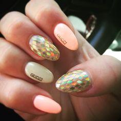 """Nails art """"gucci"""""""