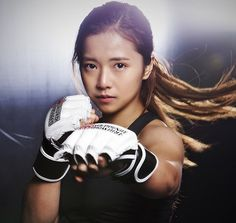 MMA Fighter Song Gayeon wins debut match against Emi Yamamoto | Koreaboo — breaking k-pop news, photos, and videos