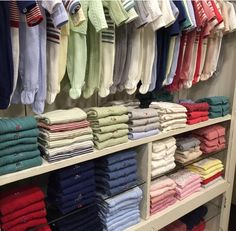E hoje em nosso Blog a nossa designer @lucentrone vai dar dicas de Como Fazer a Malinha da Maternidade ... corre lá está imperdível 👋👉http://www.mamalu.com.br/como-fazer-a-mala-da-maternidade/  roupinhas e acessórios @beijaflorbebe!  #projeto #projetos #baby #babyroom #quartodebebe #design #designdeinteriores  #designer #enxovaldebebe #enxoval #decoracao #decoração #berço #arquiteta #arquitetura #ambientes #iluminacao #cortinas #tecidos #arquiteto #designer #berço #gestantes #gestante…