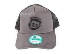 MultiFormance Icon Snapback Trucker Hat