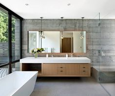 Modern home in Atherton, California. Architects: A collaboration between Arcanum Architecture and Jennifer Robin Interiors California Homes, Atherton California, Northern California, Architect House, Large Homes, Bathroom Interior Design, Modern House Design, Home Buying, Master Bathroom