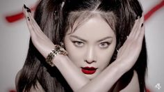 "HyunA looks really pretty and cool in ""Hate"""